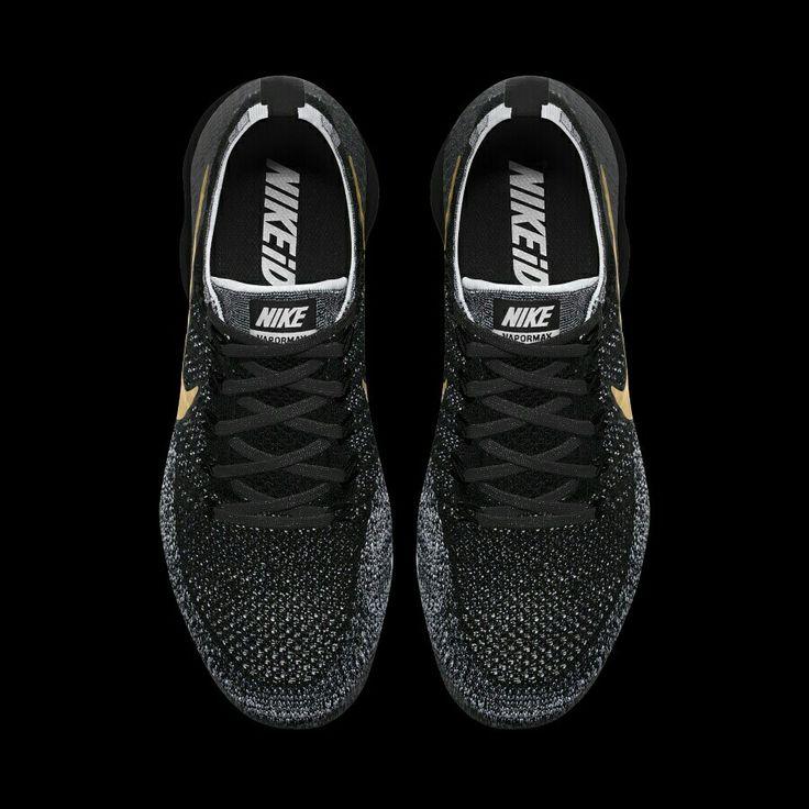 Nike Air Vapormax Flyknit iD ของแท้มือ 1 รับประกันของแท้จาก Nike iD โดยลูกค้าสามารถที่จะออบแบบรองเท้าได้ด้วยตัวเองหรือให้ทางร้านออกแบบให้ (ฟรี) เช่น เปลี่ยนสี,เพิ่มชื่อ,และใส่เบอร์ที่ต้องการ(เฉพาะรุ่น) ให้เป็นเอกลักษณ์ของตัวเองและมีแบบเดียวในโลก ข้อมูลเพิ่มเติม  รองเท้า Nike Air Vapormax Flyknit iD  มาพร้อมระบบรองรับแรงกระแทกเทคโนโลยี Max Air ที่ด้านหน้า และด้านหลัง พื้นรองเท้ามีความทนทานสูงเหมาะทุกพื้นผิว ตัวรองเท้าถูกออกแบบมาให้มีรูปทรงที่ทันสมัย   สนใจสามารถติดต่อสั่งซื้อ…