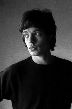 theswinginsixties:    Mick Jagger at the Chevron Hilton Hotel, Kings Cross, Sydney. 1966. Photo by Colin Beard.