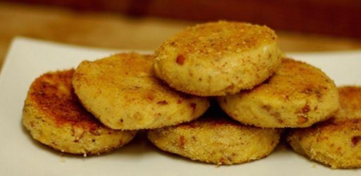 Oggi vi vogliamo parlare di un piatto davvero squisito e facile da cucinare. Stiamo parlando degli hamburger di lenticchie vegani.