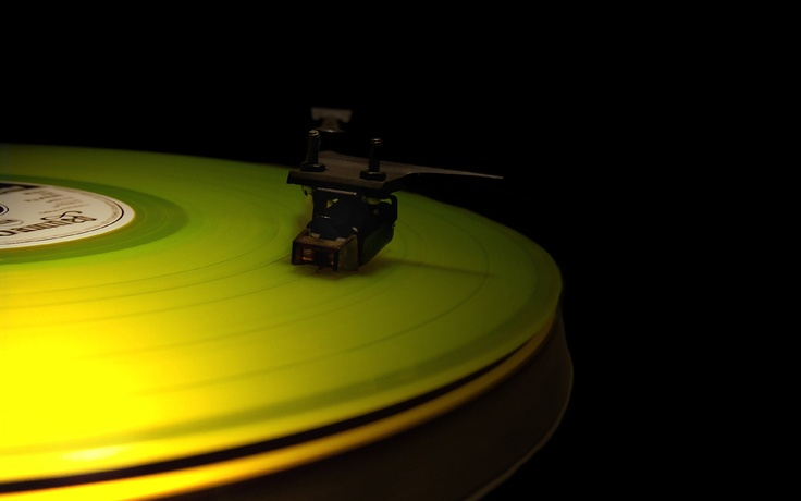 Gramophone picture for desktop and wallpaper