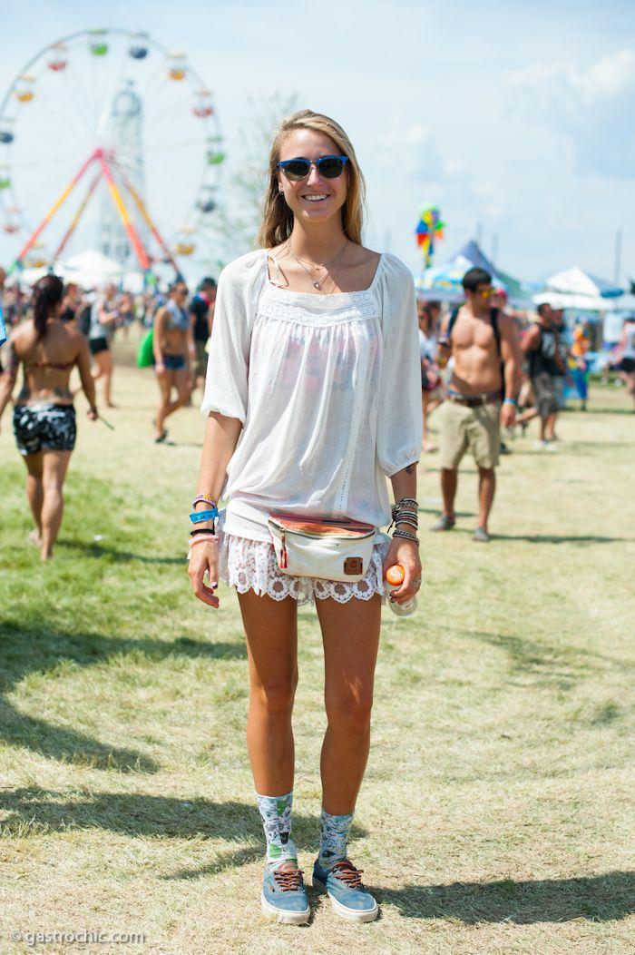 荷物にならないのでフェスや遊園地にも♡ウエストポーチのコーデ☆スタイル・ファッションの参考に♪