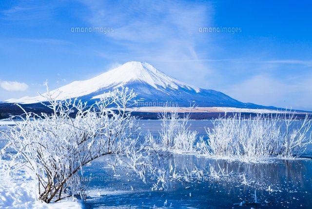 雪の山中湖と富士山 (c)Keiki HAGINOYA/a.collectionRF