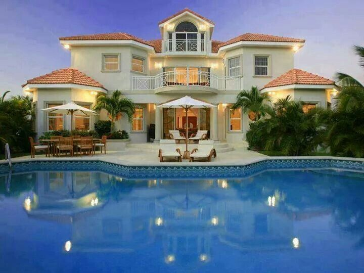 homes with pools are a must