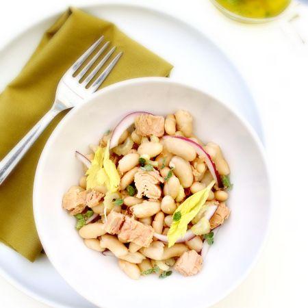 Canellini beans, celery and tuna salad with fresh oregano citronette. Insalata di canellini, sedano e tonno con citronette all'origano fresco