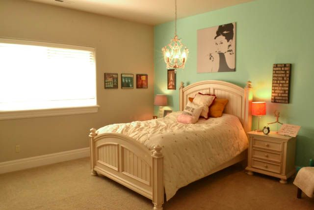 17 best images about bedroom on pinterest ikea dresser for Audrey hepburn bedroom ideas