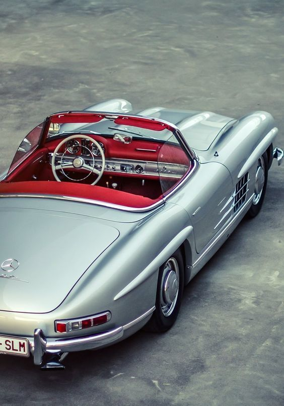 Mercedes Benz #300SL. Classic, elegant yet racy! Seen on: http://dolce-vita-lifestyle.tumblr.com. Upon special request we also do #300SL restorations: http://www.bruceadams190sl.com/project/1957-300-sl-nagelberg/