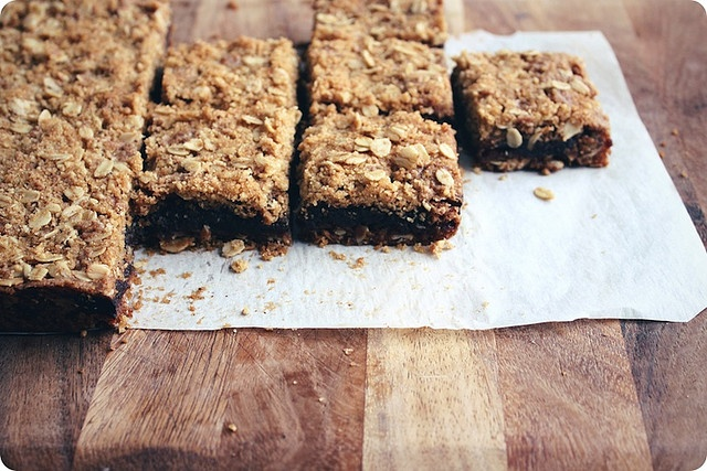 oat and nut date squares | yum | Pinterest