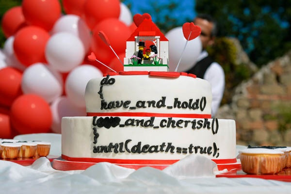 geek wedding cake