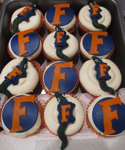 Florida Gators Cupcakes. If it's got a Gator on it, it's got to be good!