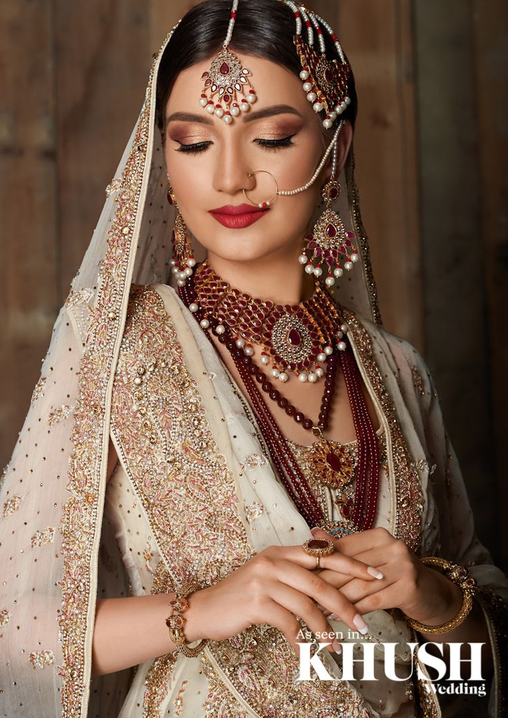 Fiz H creates this traditional Pakistani look, Pure and dazzling.  London based, Nationwide coverage T: +44(0)7914 841 968  Outfit:Tehxeeb London  Jewellery:NK Collection