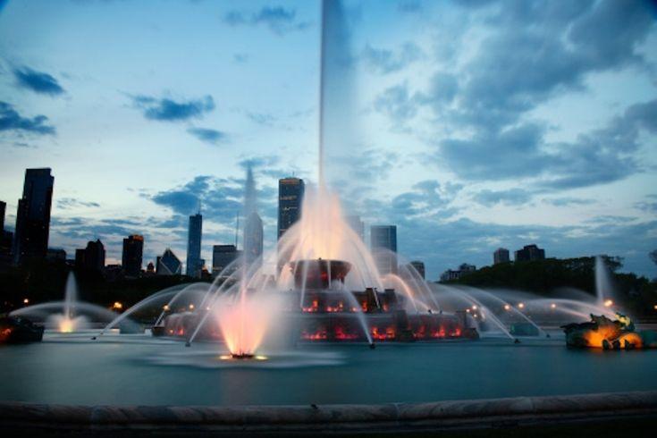 Buckingham Fountain - Chicago, Illinois | 21 Extravagant Fountains From Around The World