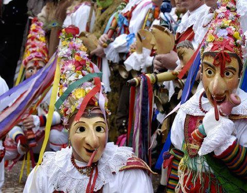 È #Carnevale da domani festeggiatelo qui in #Trentino: http://bit.ly/Carnevale16 .  #carnevaleladino #carnevaletrentino