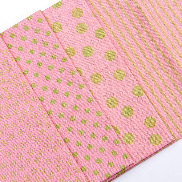 Balíček látek malý růžovozelený 4 x 28 cm x 32cm