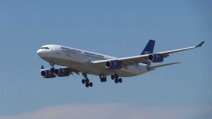 Landing Barcelona Airport Airbus A340 de Aerolíneas Argentinas