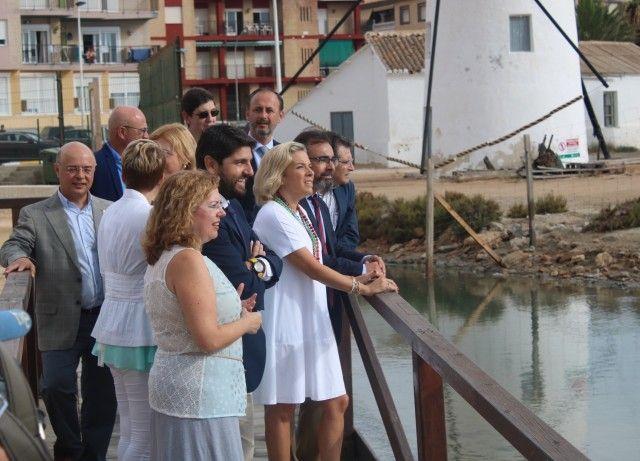 El Consejo de Gobierno recorre el Paseo de la Mota de San Pedro del Pinatar para ver el estado del Mar Menor