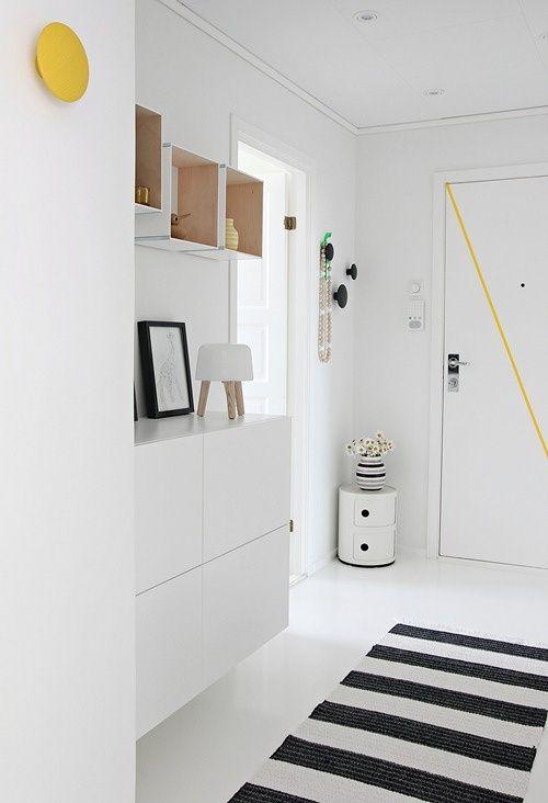 Entré-hall-opbevaring-indretning-bolig-colorama-boligdroemme-malene-marie-moeller-hvid