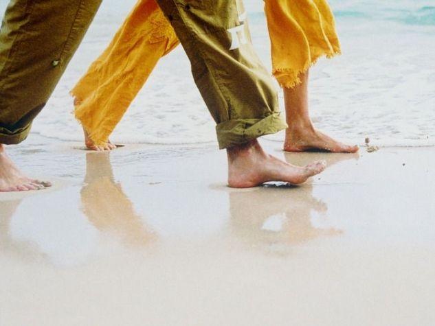 effetti-di-passeggiata L'ESSENZIALE  La regola numero 1? Scarpe comode. Non dimenticare una borraccia con acqua o una tisana calda e, eventualmente, una piccola fonte di nutrienti in grado di aiutarti in caso di cali d'energia. Il fitwalking, ovvero l'andatura veloce, ti aiuta a restare in forma a costo zero e dimagrire, è considerato uno strumento di prevenzione delle malattie e in molte strutture ospedaliere viene consigliato come terapia a pazienti diabetici o affetti da problematiche…