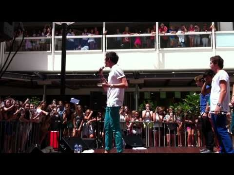 Titanium LIVE at Australia Fair