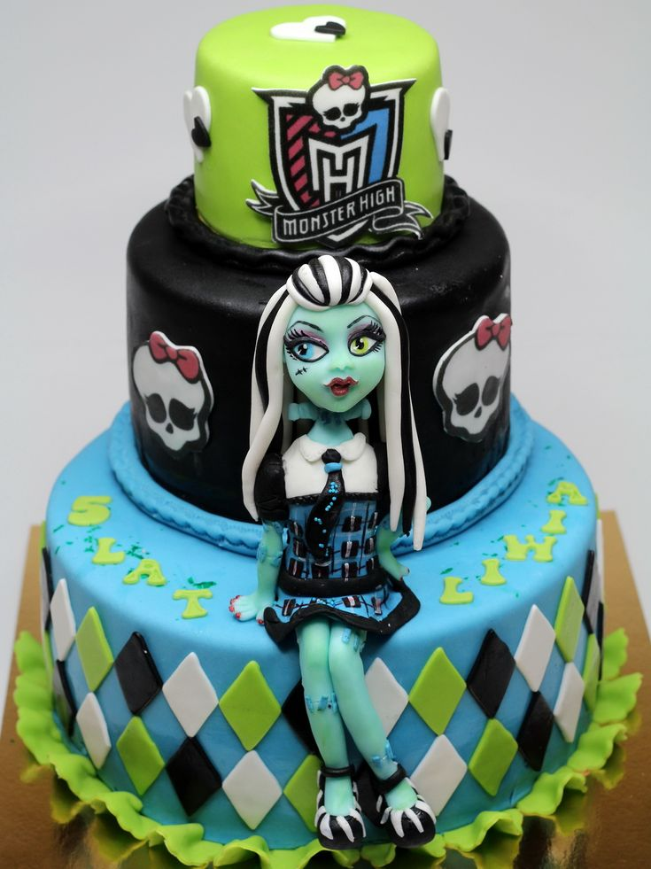 Frankie Stein Monster High Birthday Cake, London Cakes http://www.pinkcakeland.co.uk