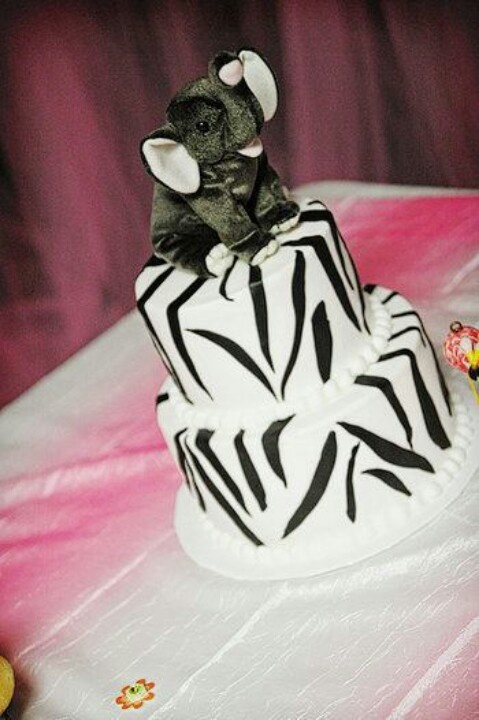 Xanadu Cake Design : 17 Best images about Cakes: elephants on Pinterest Lilly ...