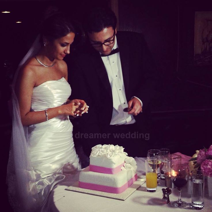 Iranian wedding at Bosphorus, Istanbul.pink&white wedding cake