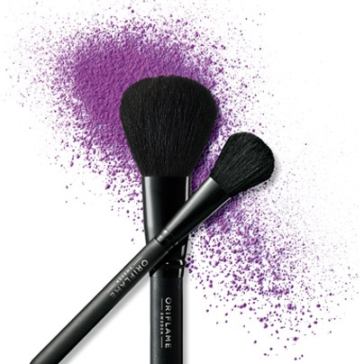Make cleaning your make-up brushes a part of your make-up routine.Clean your brushes once a week, with soap orshampoo and then rinse in lukewarm water. Let them dry and then you are ready to apply your next fabulous look!