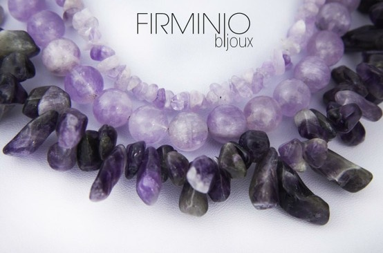 #Girocollo a tre fili in #chips, frammenti e #perle di #ametista lilla - dettaglio. #necklace with three lines, #chips, fragments and  purple #amethyst - detail. $188