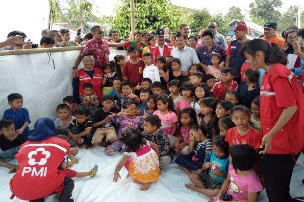 Follow @liputanbaru  Cerianya Anak-Anak Pengungsi Gunung Agung Dikunjungi Wapres [ Baca selengkapnya di liputanbaru.com ]  #koransindo #love #instagood #photooftheday #beautiful | Baca selengkapnya di website: liputanbaru.com #TsunamiCup