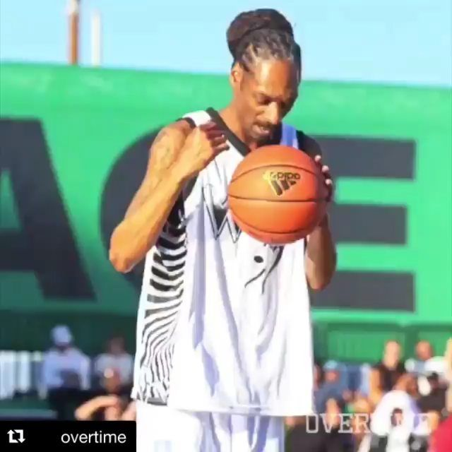 @snoopdogg -  The Doggfather was named MVP at the inaugural 2018 Hip-Hop All-Star Game. ProtectTheWest  [via @overtime]  ( follow @nessdoe215_dgnmedia   TAG A FRIEND   #nba #HipHop #hiphopmusic #ws #420 #blacchyna #Theshaderoom #tea # #worldstarhiphop #cardib #NickMinaj #hiphophead #fatboysse #lhhatl #wshh #philly #worldstar#loveandhiphop - #dgnmedia - #philadelphia #newyork#atlanta #losangeles #media #viral#comedy #funny#nfl #hiphopmusic #philly #tea #boxing#sports#nba #nfl#