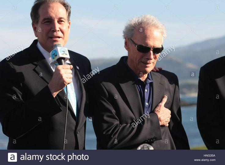 Pebble Beach, USA. 12th Feb, 2017. Pebble Beach, California, USA Jim Nantz of CBS and Clint Eastwood actor and director of Pebble Beach at the prize presentation of the famous AT&T Pro-Am, 2017