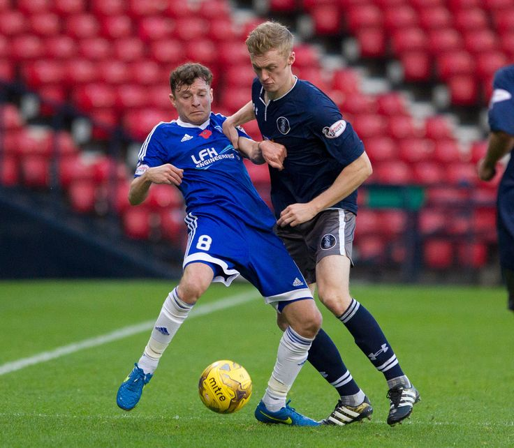 Peterhead's Nicky Riley in action during the Ladbrokes League One game between Queen's Park and Peterhead