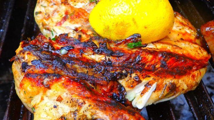 Te gusta el Pollo pero te sale seco? No te pierdas la Receta de Pollo a la Parrilla + Abobado y aprende como hacer un pollito bien jugoso y sabroso. ¿Con qué lo acompañarían? >>