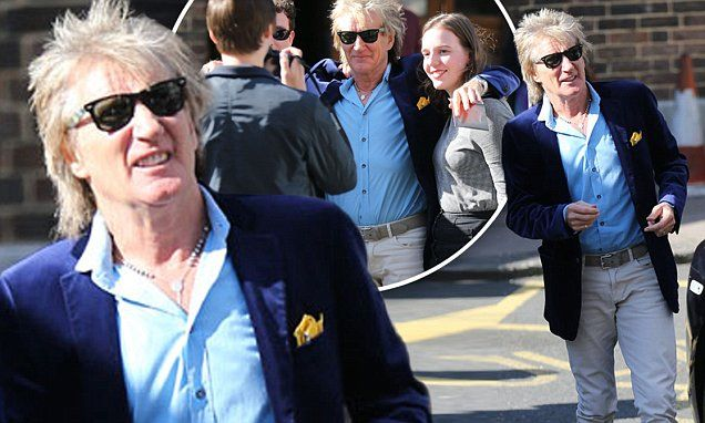 Rod Stewart, 70, shows off his youthful side in funky yellow trainers