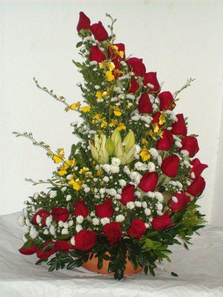 57 best images about arreglos florales on pinterest - Centros de rosas naturales ...