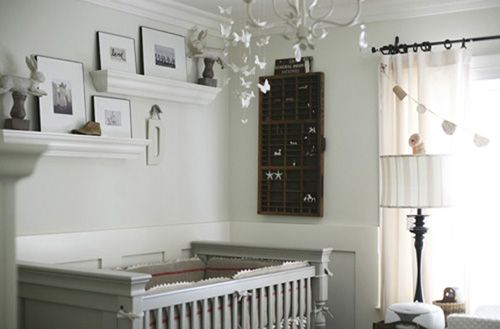 This #nursery is perfectly curated—filled with just the right details and finishing touches. #gray #vintage