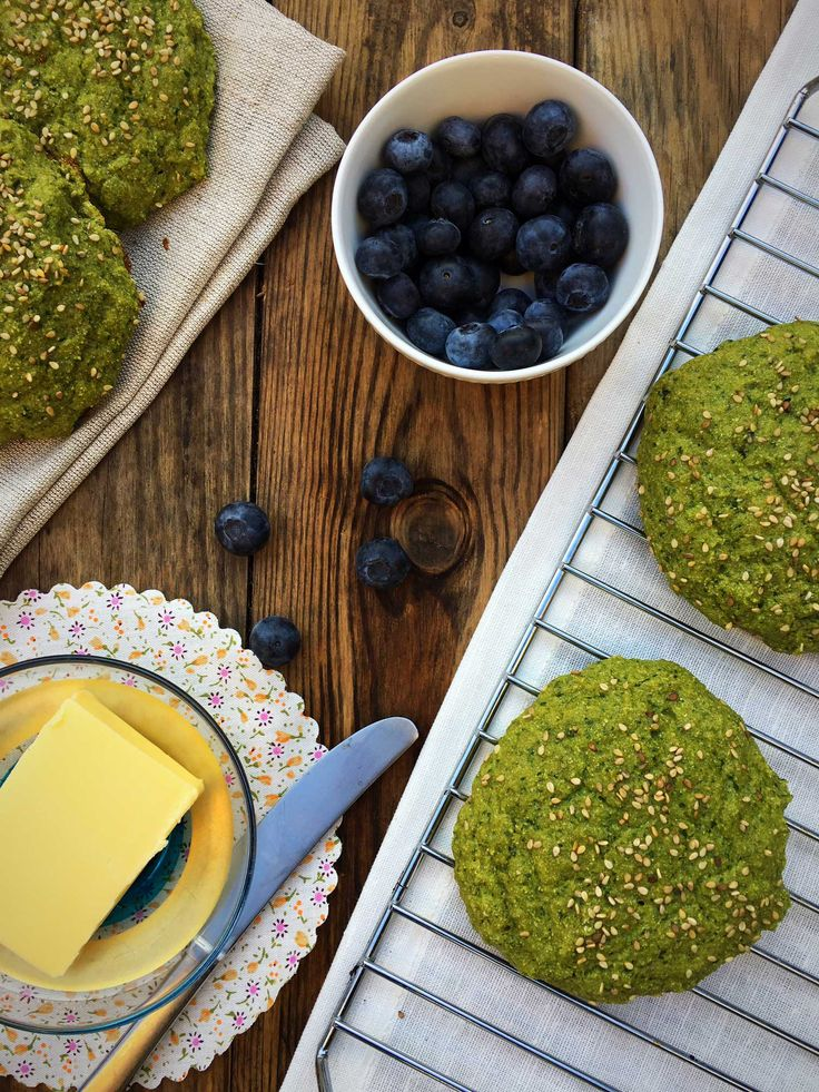 Best LCHF bread recipe for so. Sweet spinach bread rolls. Grain-free, gluten-free, nut-free and very low carb. Recipe here: MyCopenhagenKitchen.com