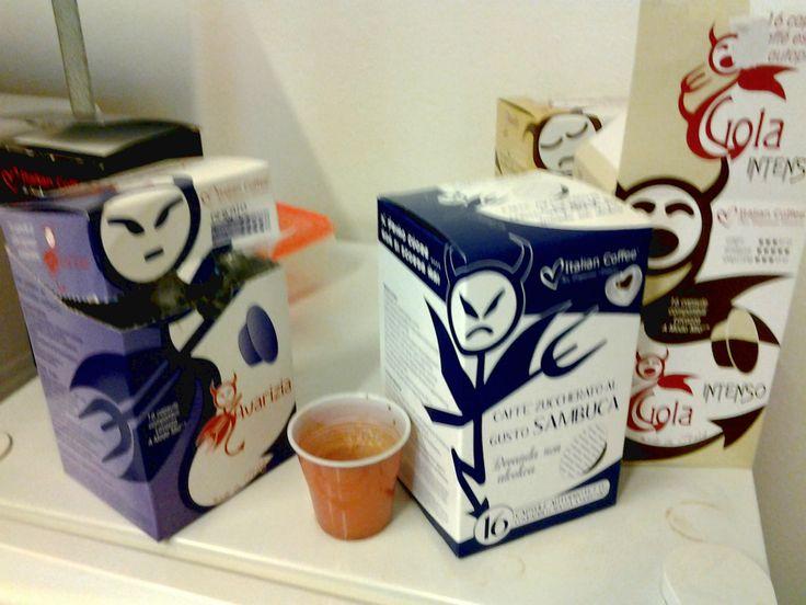 http://www.italian-coffee.biz/  E' sempre bello poter scegliere quale peccato essere!!! Il nostro peccato è essere assidui bevitori di caffè!