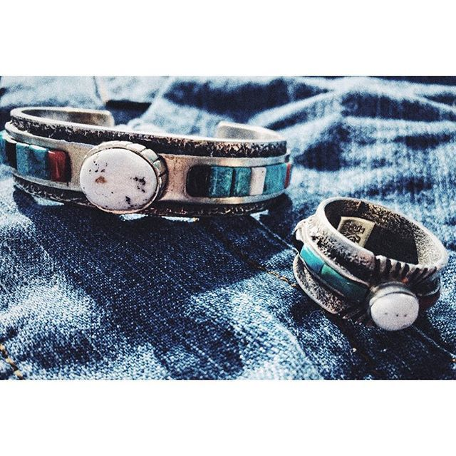 #whitebuffalo #indianjewelry #ホワイトバッファロー #インディアンジュエリー #america #navajo  #mensfashion #styling #accessories #bangle #mens #ladys #fashion #ホワイトバッファローの教え #シルバーアクセサリー #バングル #リング #アメカジ #wb
