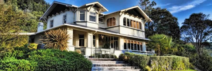 McCormick House - Your Kiwi hosts Jeanne and Carl, offer luxury 5 star bed and breakfast accommodation in Picton. http://www.mccormickhouse.co.nz/