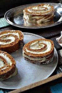 maple brown sugar pumpkin pie rolls