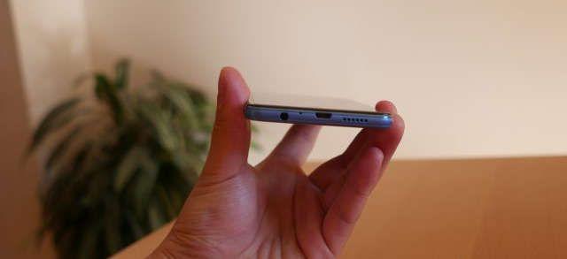 elephone p8 mini prise jack et micro usb et enceintes