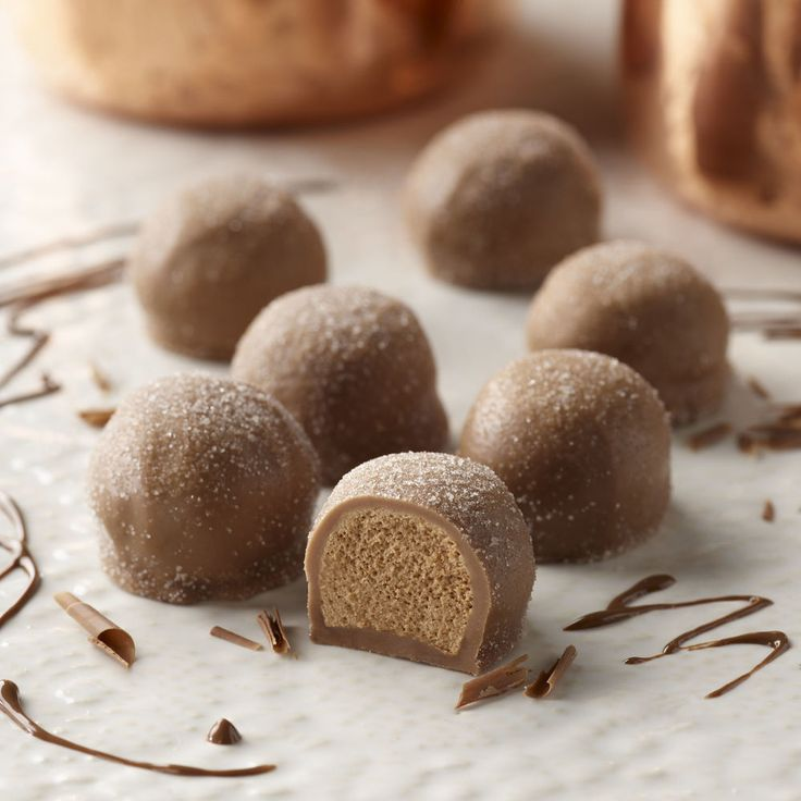 Inspired by the chocolatiers of Vienna, the Thorntons Viennese Truffle is a romantic combination of light as a feather chocolate mousse and a blend of m...