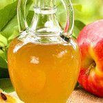 Lave o rosto com vinagre de maçã por 5 dias