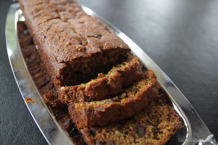 Pat Nixon's Date Nut Bread – The Unofficial Mad Men Cookbook Virtual Dinner Party