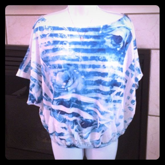 Rue 21 top Blue and white watercolor.  Elastic bottom.  Batwing top. Rue21 Tops
