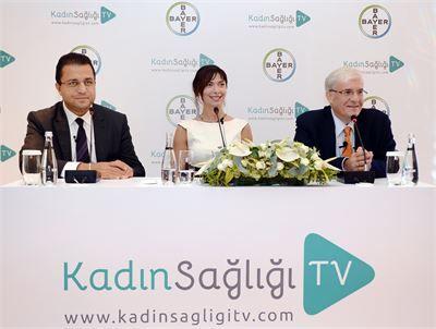 Bayer EMEA Bölgesi Pazarlama Bölüm Başkanı Dr. Oğuz Mülazımoğlu, Bayer Kadın Sağlığı ve Erkek Sağlığı Pazarlama Müdürü Pelin İçil, Türk Jinekoloji ve Obstetrik Derneği Başkanı Prof. Dr. Cansun Demir