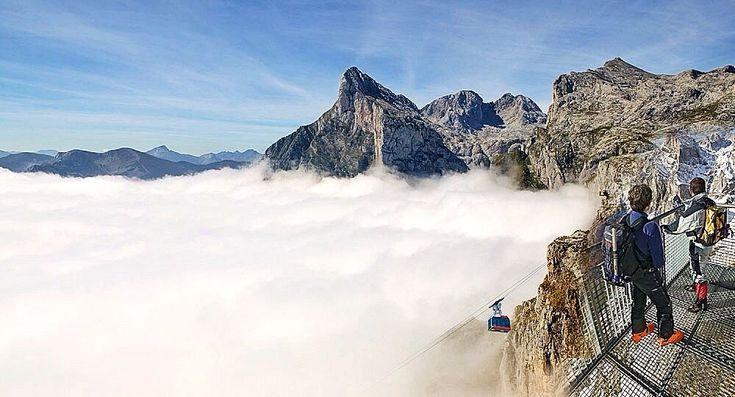 fuente-de-cantabria-niebla