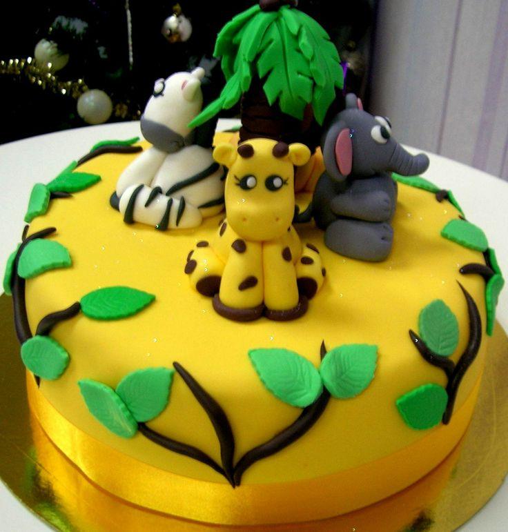 Tarta muy simpática con animales de la selva !!