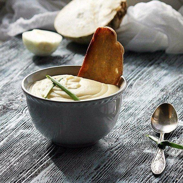 Крем-суп из корневого сельдерея