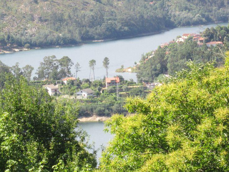 Casa t1 para férias no Gerês com vistas de rio